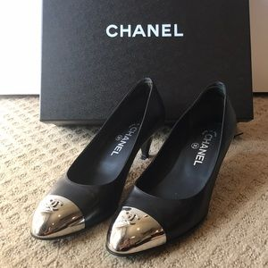 Chanel Silver Capped CC Pumps